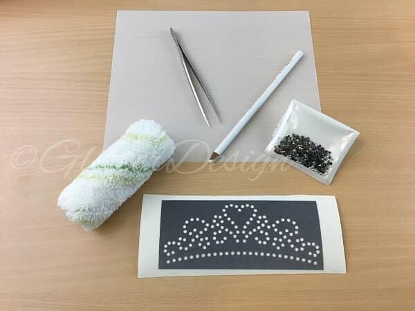Hoe kan je snel zelf textiel bedrukken met hotfix patronen en strass steentjes?