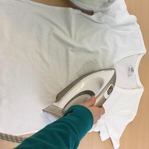 strass-steentjes op kleding strijken